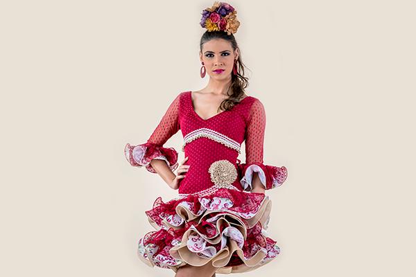 Vestido de flamenca corto con volantes Rociera
