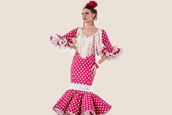 Vestido de flamenca con lunares Rociera